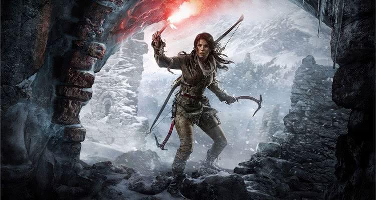 Rise of the Tomb Raider героиня входит в пещеру